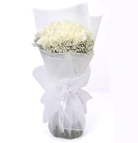 CHISINAO- Magical White Roses Flower Bouquets